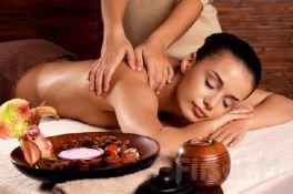 Kuşadası masaj salonu klasik yağlı masaj uygulaması
